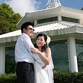 小倆口在關島舉辦難忘的婚禮。