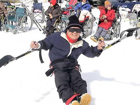 扶漢民到日本第一次嘗試滑雪。