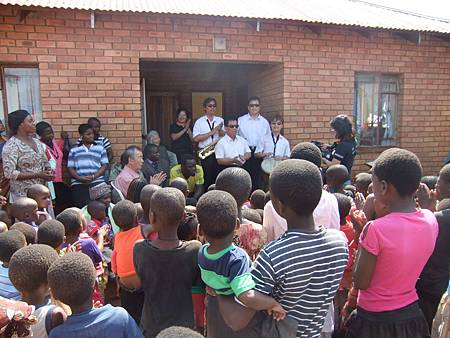 到史瓦濟蘭孤兒院,讓孩子看到更多可能