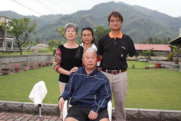 和乘客楊爸爸一家人建立深刻感情。