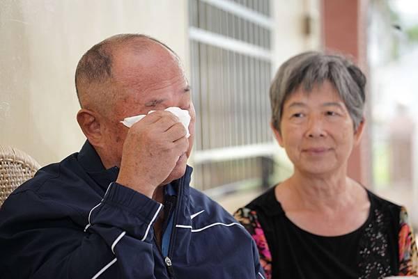 提起范立宏,楊爸爸心疼不住的哭。