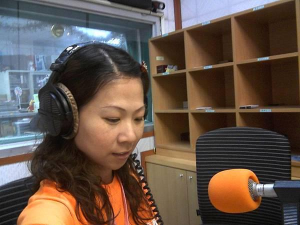 社工服務多元化,葉玉仁也曾經上過電台宣導服務。