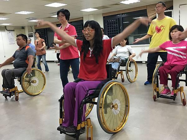 袁秀婷─小兒麻痺,伊甸輪椅舞舞者