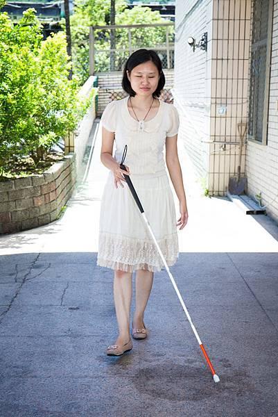 受過定向訓練,視障朋友就能行的安全。