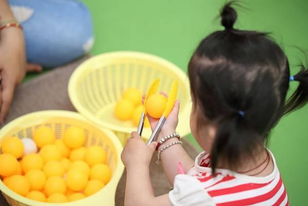 圖說:運用家中常見用品,讓孩子在家也能夠學習。