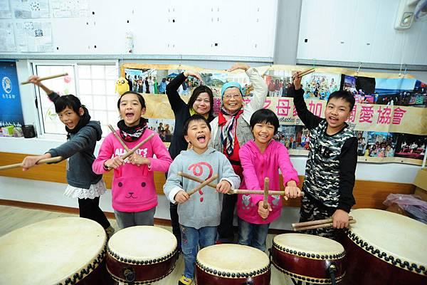 圖說:孩子們有個空間能夠練習十鼓,每個都開心得不得了!