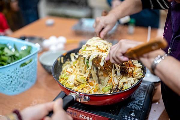 圖說:今日的菜單是色香味俱全的家常炒麵。