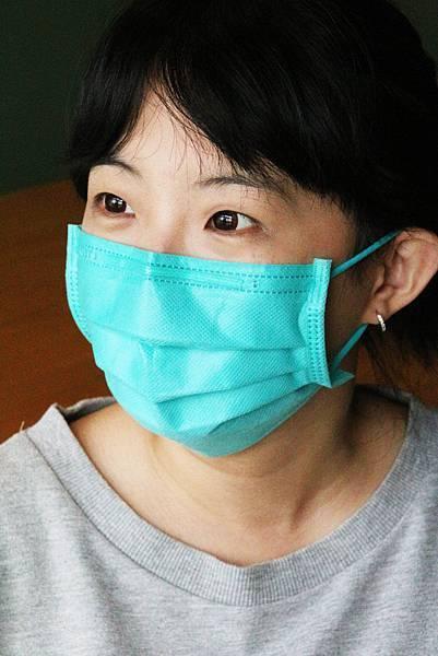 2圖說:有了孩子後,王玥茹看小孩的眼光不一樣了。