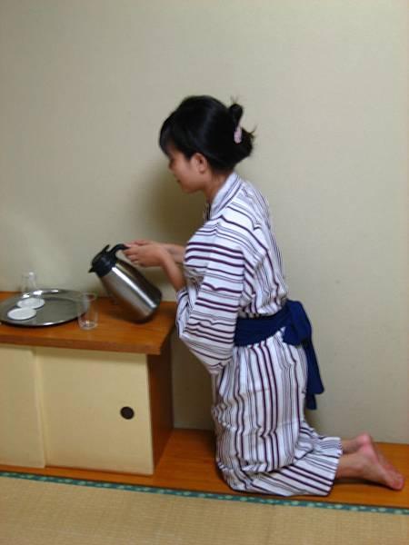 390 請用茶.JPG