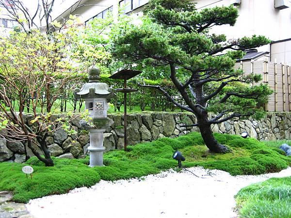 401 第一瀧本館的庭院 1.JPG