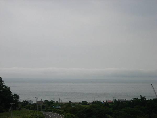 413 有點搞不清楚方位, 遠方不知道是太平洋還是顎霍次克海.JPG