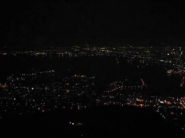 445 港口部分的夜景.JPG