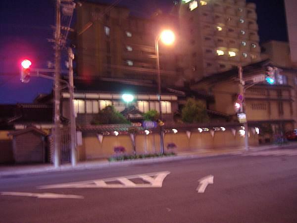 453 路邊發現像傳統日式屋子的建築.JPG