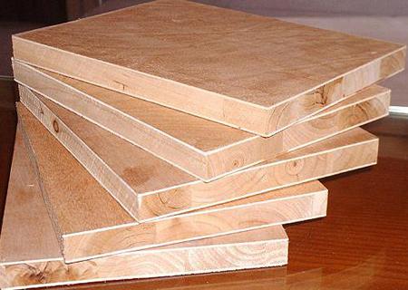 细木工板也叫大芯板.jpg