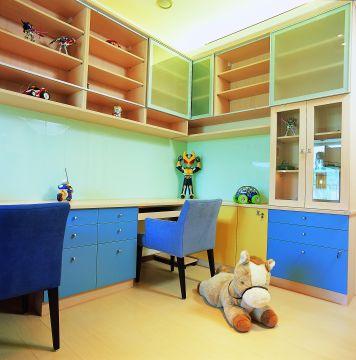 兒童房玩具櫃.jpeg