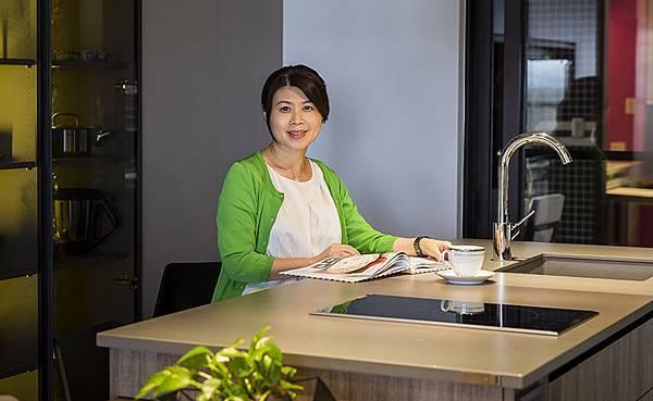 edHOUSE 機能櫥櫃 輕裝修 系統櫃 系統板材 系統家具 權釋設計 廚房 收納櫃 活動層板 更衣室 隱藏式延牆系統設計 輕裝修設計 系統櫃設計 室內設計