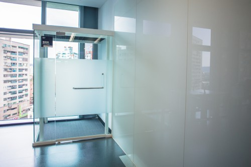edHOUSE 機能櫥櫃 輕裝修 輕裝修設計 系統櫃 系統板材 裝潢設計 系統家具 客製化 收納 新北市立圖書總館 建築美學 科技化 建築設計 科技化 智慧設計 數位化 室內設計