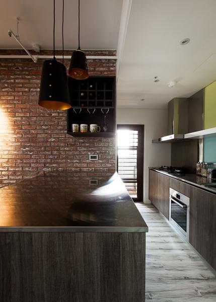 edHOUSE 機能櫥櫃 輕裝修 系統櫃 系統板材 裝潢設計 系統家具 客製化 收納 北歐  北歐建築 工業風 廚房 吧檯 輕裝修設計