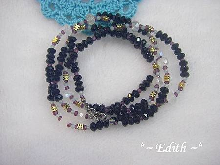 黑尖晶石4圈式手鍊~藍暈月光石~