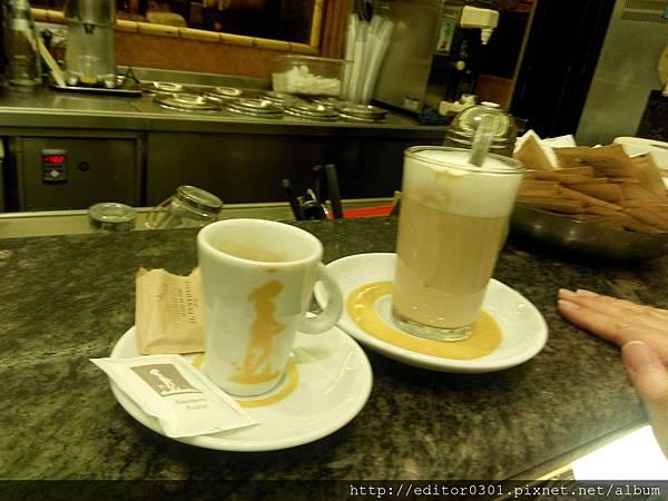 金杯咖啡兩杯.jpg