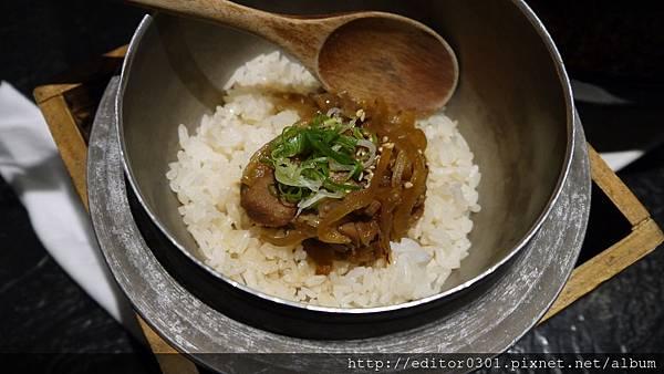 日式牛肉釜飯.JPG