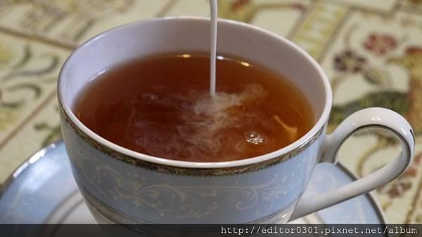 土耳其紅茶歐蕾1.JPG