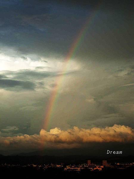 很大的彩虹