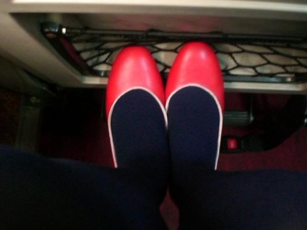 小紅鞋與我的藍色腳兒