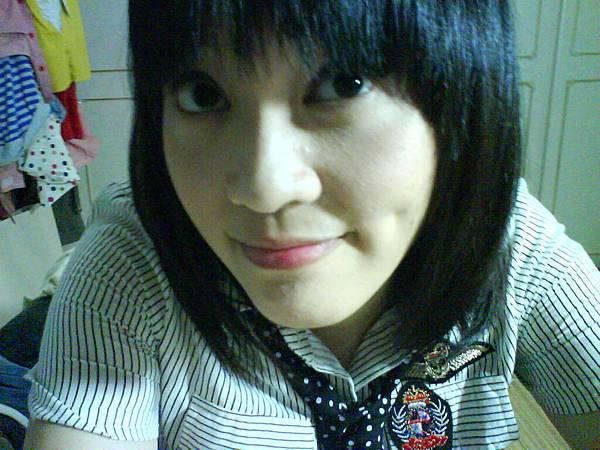 剪了頭髮嚕(攝於2008.09.11).JPG