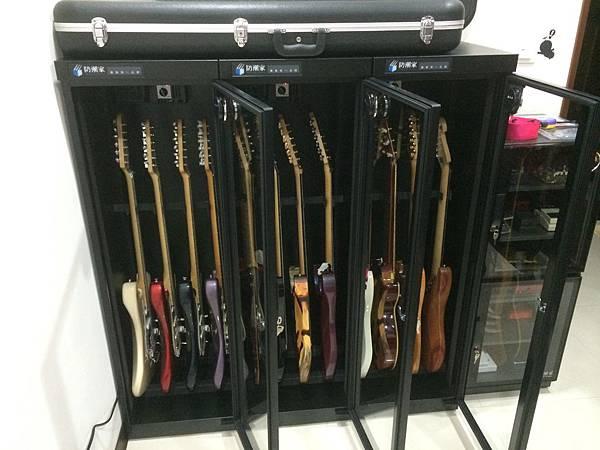吉他防潮櫃2