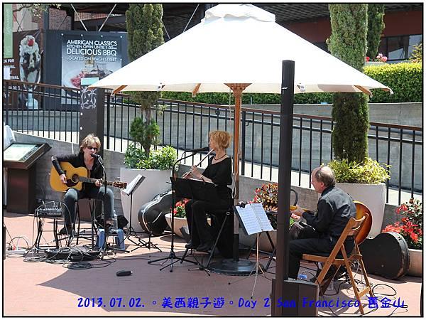 Day 02-Ghirardelli Square-11.jpg