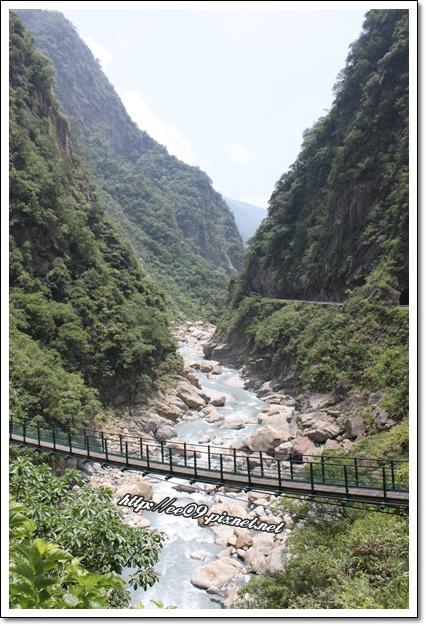 太魯閣有山有水有吊橋.jpg