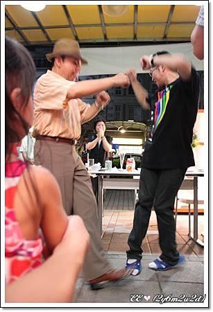 看跳舞.jpg