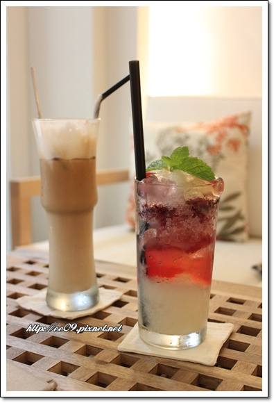兩杯飲料.jpg