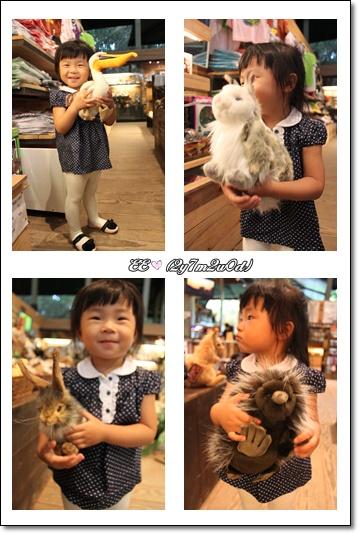 抱各種動物玩偶.jpg