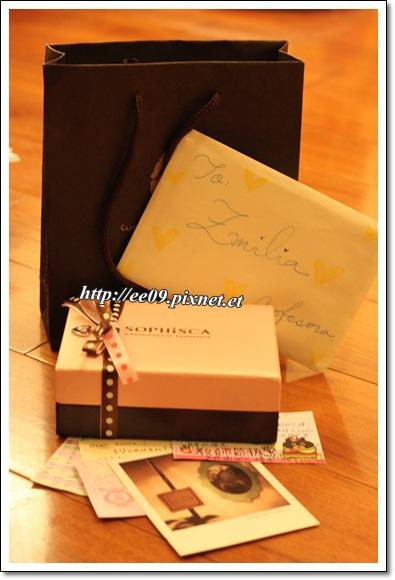 2012學生送的巧克力跟卡片
