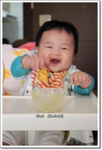 吃完副食品大笑