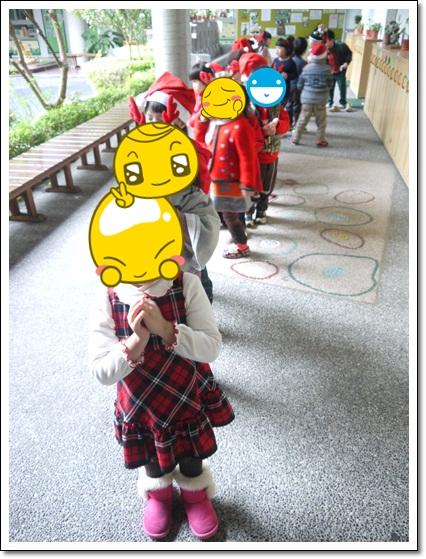1224紅綠服成排要去許願(編)