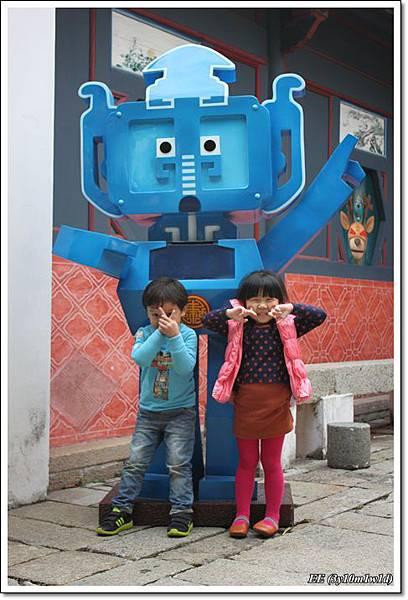 與藍色機器人