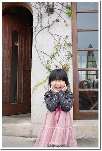 二樓外開花pose