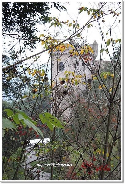 遠眺城堡與鯉魚潭-2