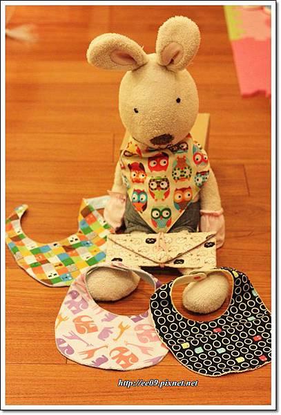 法國兔與三角巾