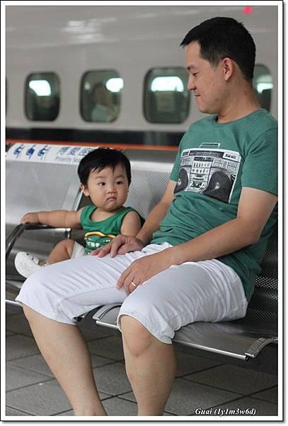 父子等高鐵.JPG