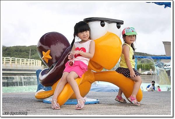 E涵與烏龜.JPG
