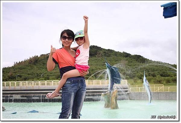 母女與外池.JPG