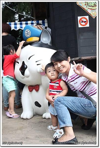母子女與郵政貓.JPG