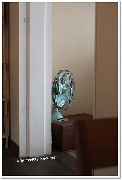 角落的復古電風扇.JPG