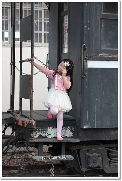 EE站火車上寫真樣.JPG