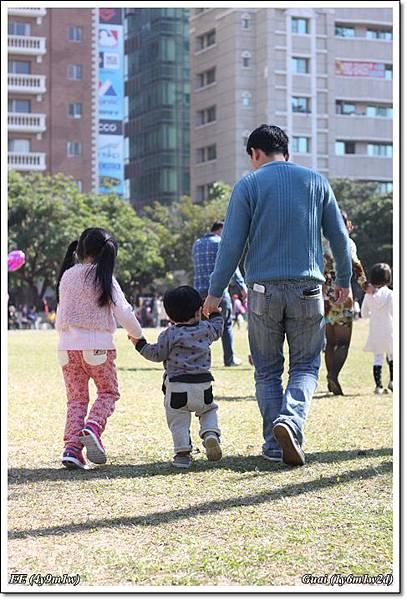 父子女跑跑跑.JPG