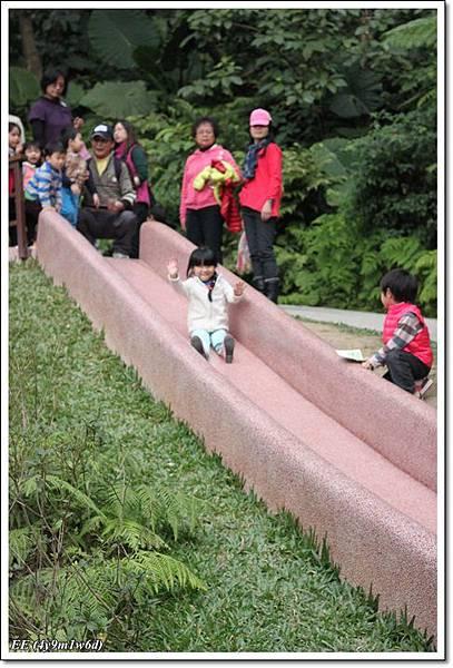 EE長滑梯.JPG